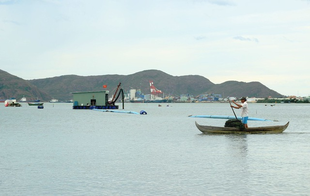 """Bình Định """"tuýt còi"""" dự án Thị Nại Eco Bay hút cát chưa phép - 1"""