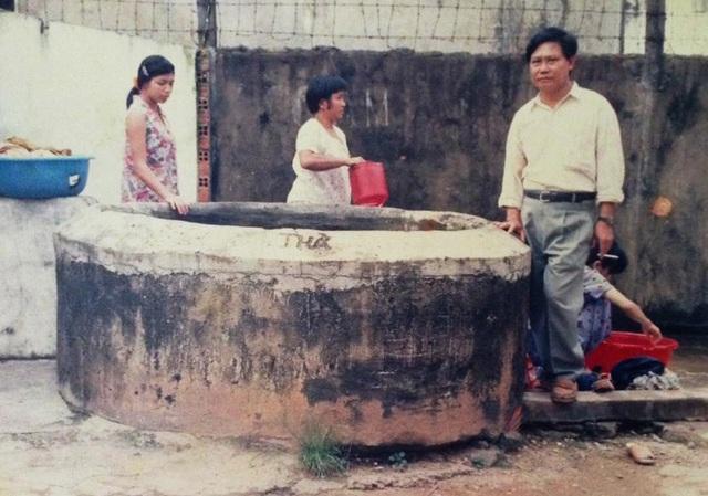 Chuyện kỳ lạ về giếng cổ, nhiều người cúng lễ ở TP.HCM - 3
