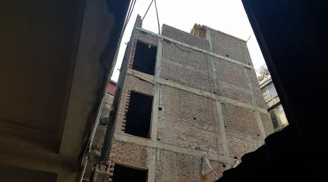 Hà Nội: Kiểm điểm Chủ tịch phường Ô Chợ Dừa cấp sổ đỏ tùy tiện - 1