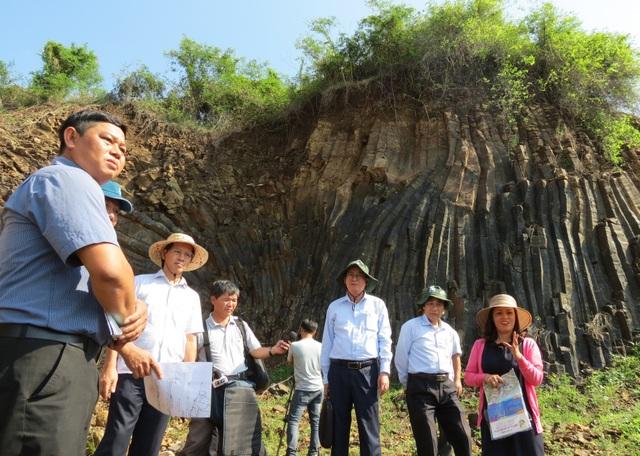 """Phú Yên: Bảo vệ """"Gành đá đĩa trên cạn"""" theo Luật Di sản - 1"""