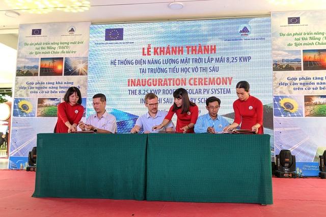 Một trường tiểu học ở Đà Nẵng tiết kiệm hơn 2 triệu đồng/tháng với hệ thống điện năng lượng mặt trời - 1