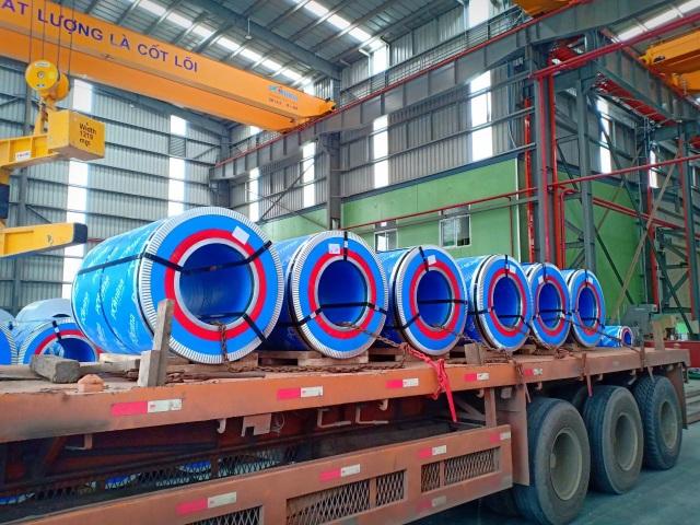 Tôn Pomina đã có lô hàng xuất khẩu đầu tiên ra thị trường quốc tế - 2