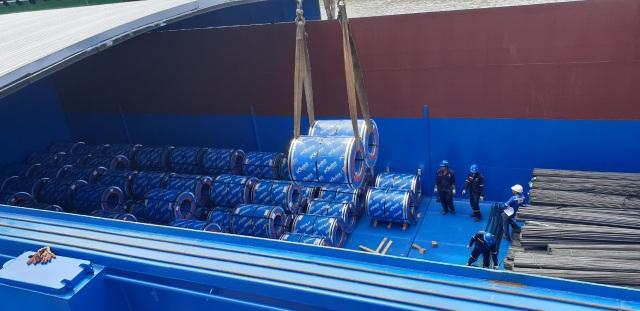 Tôn Pomina đã có lô hàng xuất khẩu đầu tiên ra thị trường quốc tế - 4