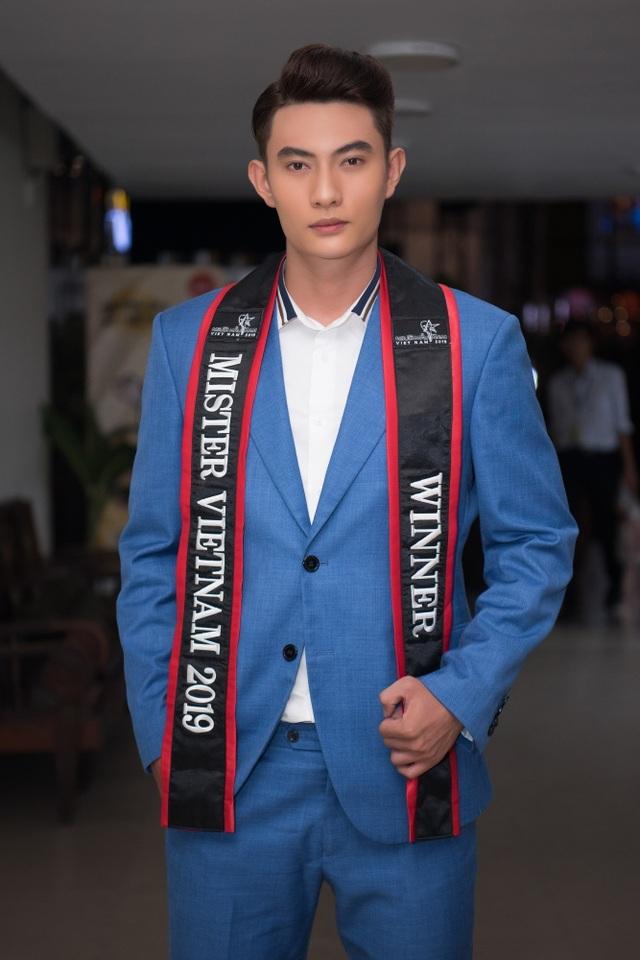Quán quân Mister Việt Nam 2019 lao đao vì tin nhắn gạ tình - 3