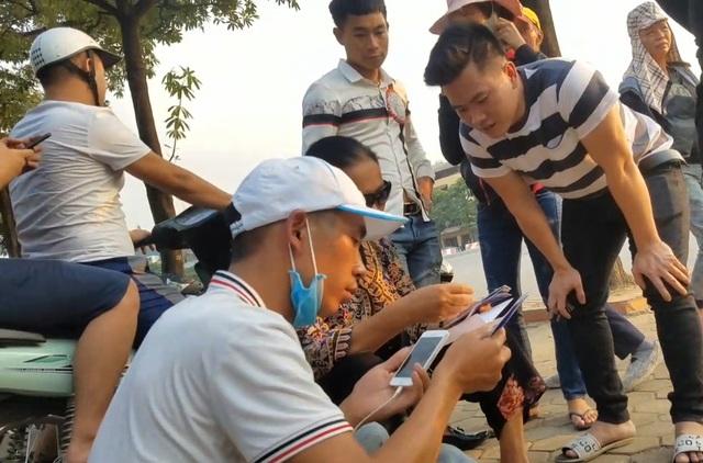 Một cặp vé Vip chợ đen trận Việt Nam gặp Malaysia giá ngang một chỉ vàng - 4