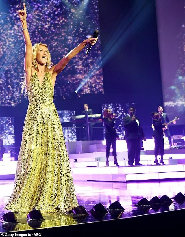 """Celine Dion ở tuổi 51 tự tin để """"mặt mộc"""" xuất hiện trong MV mới - 1"""