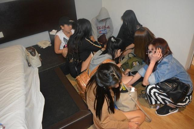Malaysia bắt 20 phụ nữ Việt Nam nghi hành nghề mại dâm - 1