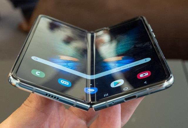Galaxy Fold lại gặp sự cố về màn hình chỉ sau hơn một ngày sử dụng - 3