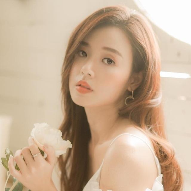 Hot girl Midu làm giảng viên, sinh viên thầm mến vì đẹp và trẻ ...