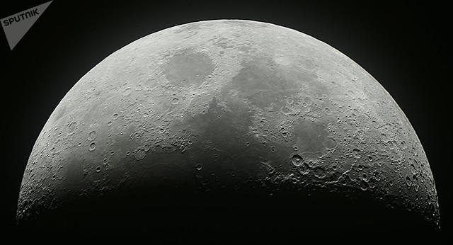 Sự sống ngoài hành tinh có thể được ẩn giấu trên Mặt trăng - 1