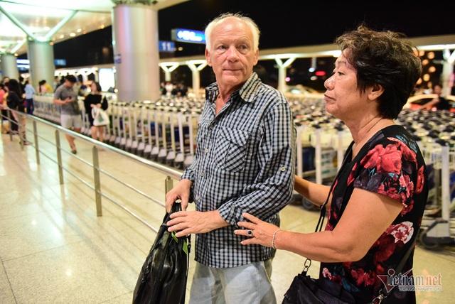 Nụ hôn chia tay người tình Việt 50 năm của cựu binh Mỹ trước khi lên máy bay - 10