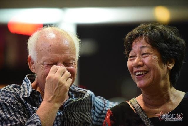 Nụ hôn chia tay người tình Việt 50 năm của cựu binh Mỹ trước khi lên máy bay - 4