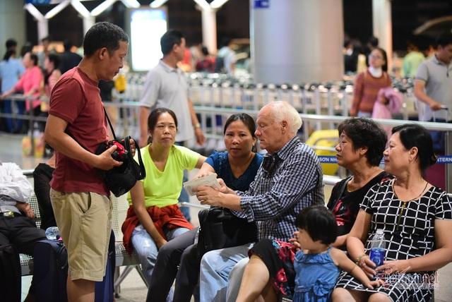 Nụ hôn chia tay người tình Việt 50 năm của cựu binh Mỹ trước khi lên máy bay - 5