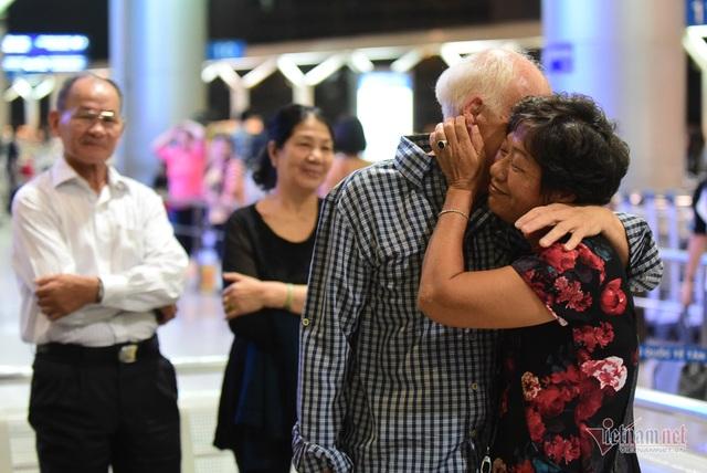 Nụ hôn chia tay người tình Việt 50 năm của cựu binh Mỹ trước khi lên máy bay - 7