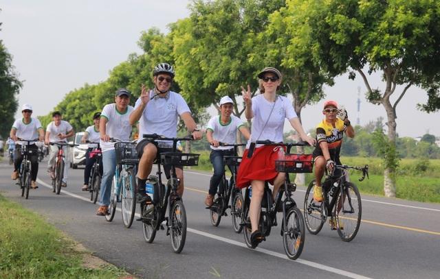 Đạp xe vì biến đổi khí hậu tại Hội An
