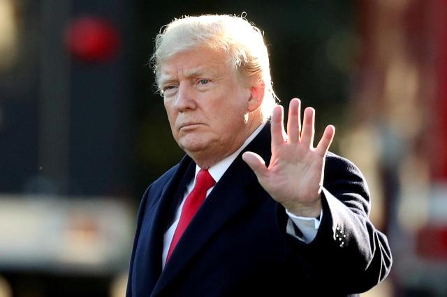 Ông Trump tính cấm cửa doanh nghiệp Trung Quốc trên sàn chứng khoán Mỹ - 1