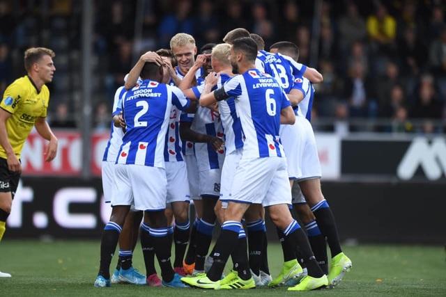 Văn Hậu không được ra sân trong ngày Heerenveen đại thắng - 2
