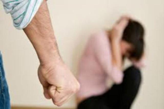 Hoảng sợ với người yêu cuồng ghen, trói bạn gái không cho đi công tác - 2