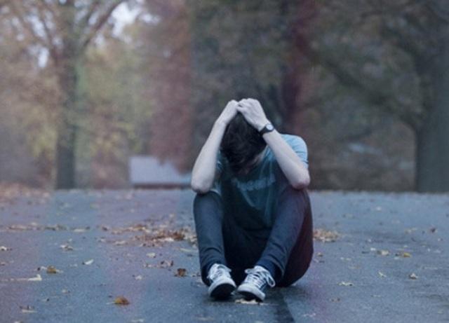 Hoảng sợ với người yêu cuồng ghen, trói bạn gái không cho đi công tác - 3