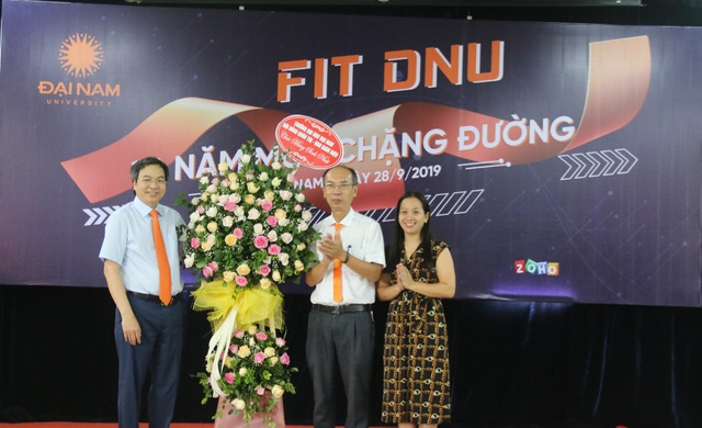 Khoa CNTT Trường ĐH Đại Nam tưng bừng kỷ niệm 10 năm thành lập - 1
