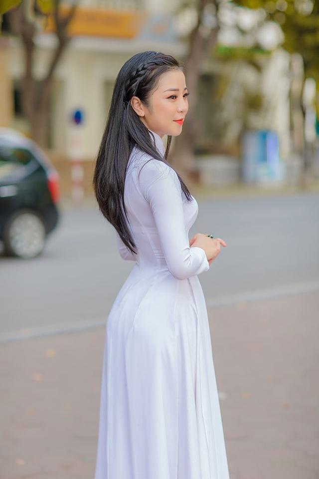 Mùa thu Hà Nội đượm tình trong mắt thiếu nữ Quảng Bình - 2