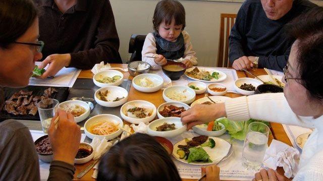 Sức mạnh không ngờ của bữa cơm gia đình khiến nhiều người ngỡ ngàng - 3
