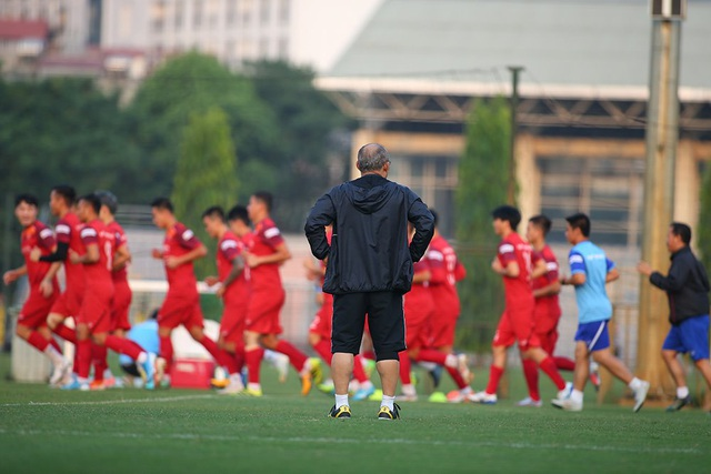 Xuân Trường dính chấn thương, HLV Park Hang Seo lo lắng - 10