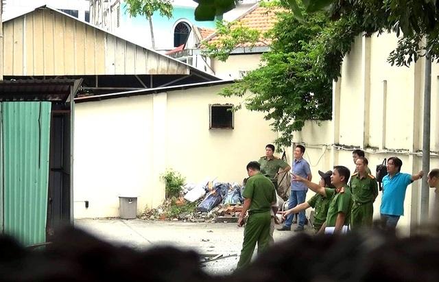 Khám xét căn nhà nghi liên quan đến vụ nổ tại Cục thuế Bình Dương - 4