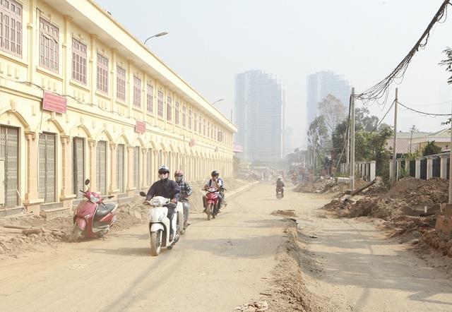 Hà Nội: Nín thở băng qua những con đường đau khổ - 6