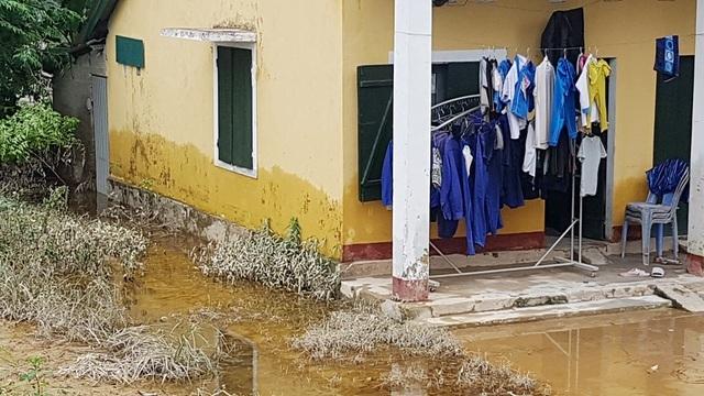 Bộ Chỉ huy Quân sự tỉnh Thừa Thiên Huế nói gì khi thi công gây ngập lụt đường sắt Bắc Nam? - 4