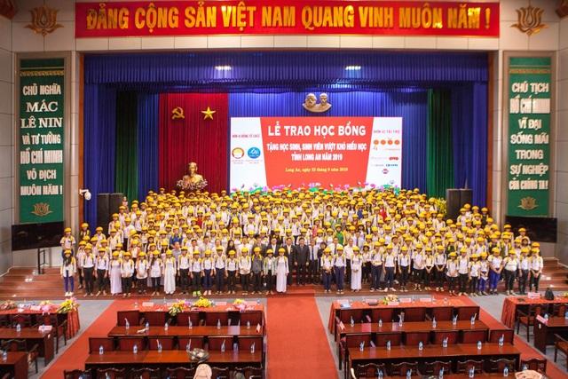 Doanh nghiệp nhận bằng khen của Thủ tướng Chính Phủ vì hoạt động cộng đồng - 3