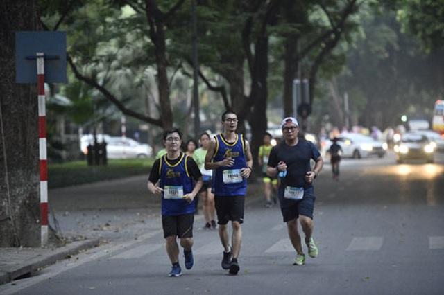 Gần 5.000 người chạy giải Revive Marathon xuyên Việt - 3