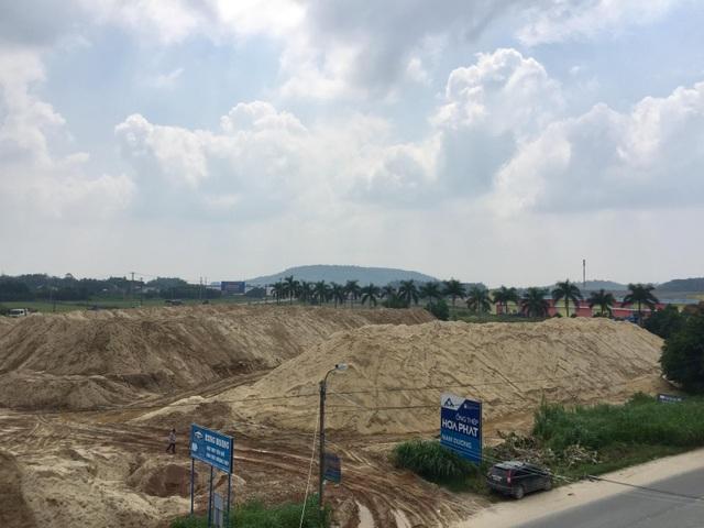 Núi cát trái phép trên đất dự án được tỉnh Quảng Ngãi ưu ái gia hạn tồn tại? - 2