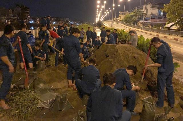 Người dân Sài Gòn, Cần Thơ quay cuồng lội nước trong ngày đầu tuần - 7