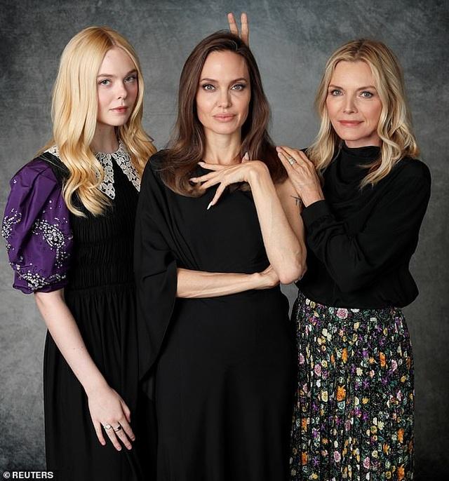 Angelina Jolie xinh đẹp tái xuất để quảng bá phim mới - 5