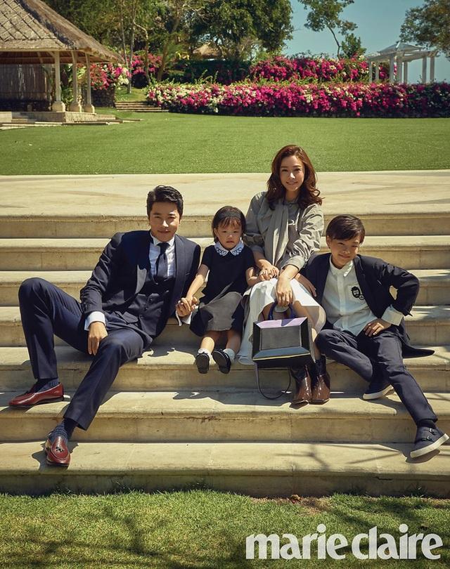 Từ cặp đôi bị phản đối, vợ chồng Kwon Sang Woo minh chứng 11 năm hôn nhân ngọt ngào - 11