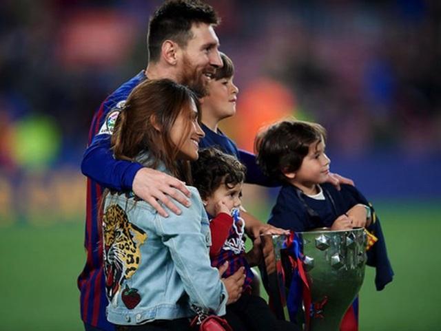 Messi khiến các cổ động viên ngưỡng mộ vì gia đình hạnh phúc - 3
