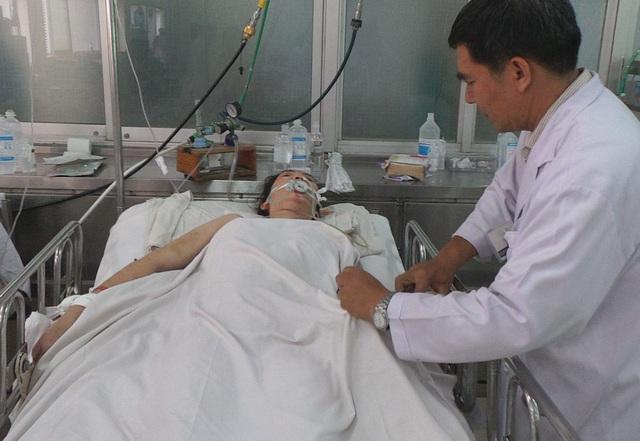 Bộ trưởng Y tế sốt ruột cảnh bệnh nhân nằm lâu, thay đổi thuốc liên tục vì nhiễm khuẩn bệnh viện - 1