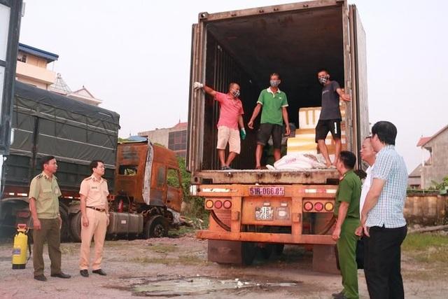 Phát hiện, bắt giữ xe container vận chuyển 6 tấn lòng lợn nhiễm dịch tả lợn châu Phi đi tiêu thụ - 1