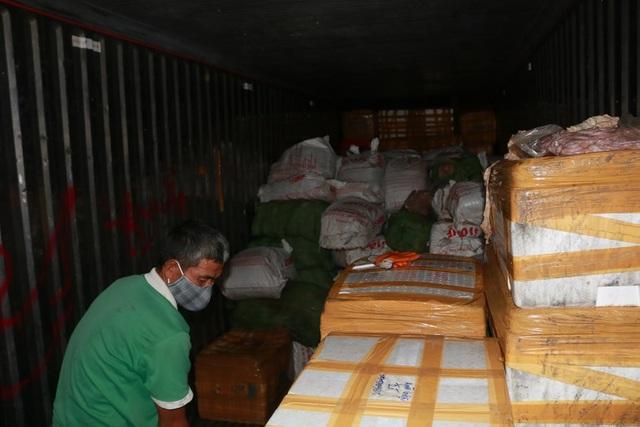 Phát hiện, bắt giữ xe container vận chuyển 6 tấn lòng lợn nhiễm dịch tả lợn châu Phi đi tiêu thụ - 2