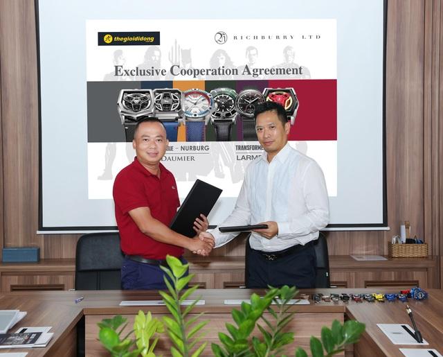 TGDĐ độc quyền mang bộ sưu tập đồng hồ bản quyền Liên Minh Công lý và Transformer về bán tại Việt Nam - 1