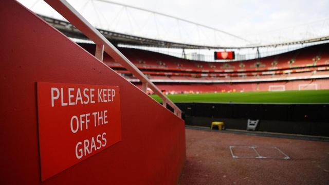 Emirates trước giờ bóng lăn