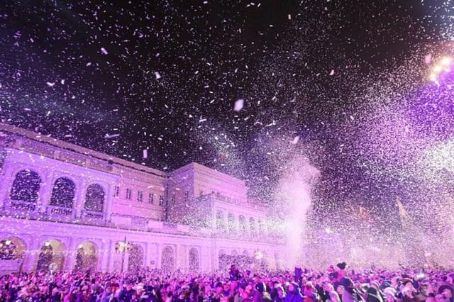 Lễ đón năm mới tại Warsaw, Ba Lan. (Ảnh: EPA)
