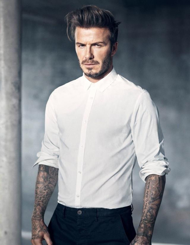 Đứng thứ 13 - Cựu cầu thủ David Beckham (43 tuổi) vẫn là gương mặt đẹp bền vững trong lòng công chúng dù sức hút từ sự nghiệp thể thao của anh đã dừng lại từ lâu. Beckham và gia đình của mình thực sự là viên nam châm thu hút sự quan tâm.