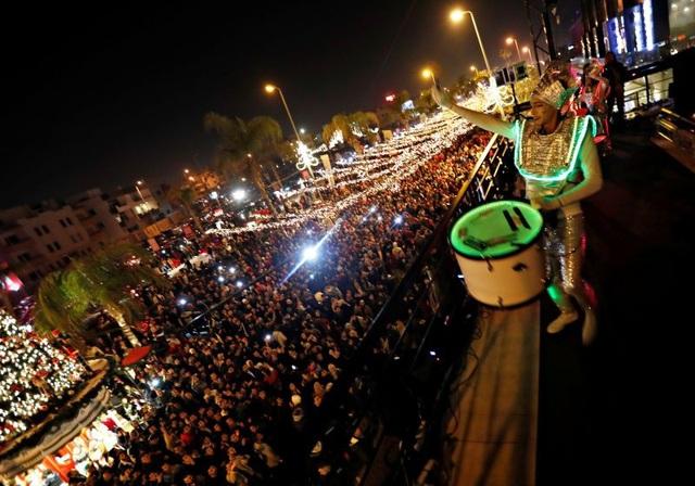 Lễ đón mừng năm mới đông vui tại Cairo, Ai Cập. (Ảnh: Reuters)