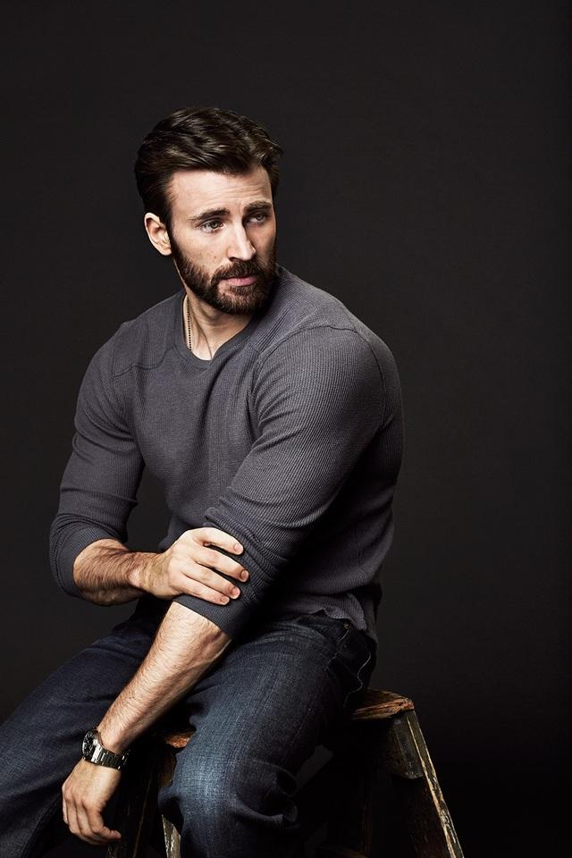 Đứng thứ 94 - Nam diễn viên từng gắn bó với vai Captain America trên màn bạc - Chris Evans (37 tuổi) - có lẽ xứng đáng với một vị trí có thứ hạng cao hơn?