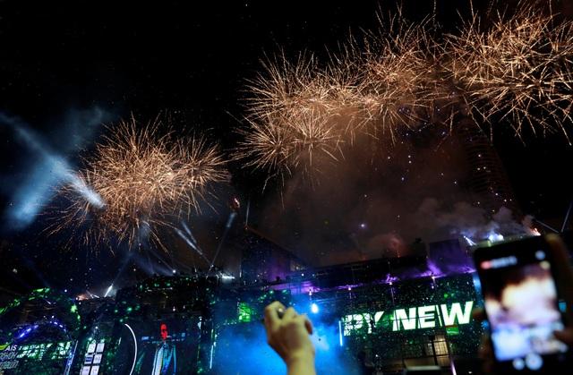Bầu trời Bangkok, Thái Lan rực sáng với pháo hoa (Ảnh: Sky)