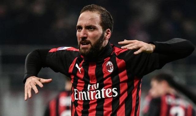 AC Milan chán ngấy Higuain
