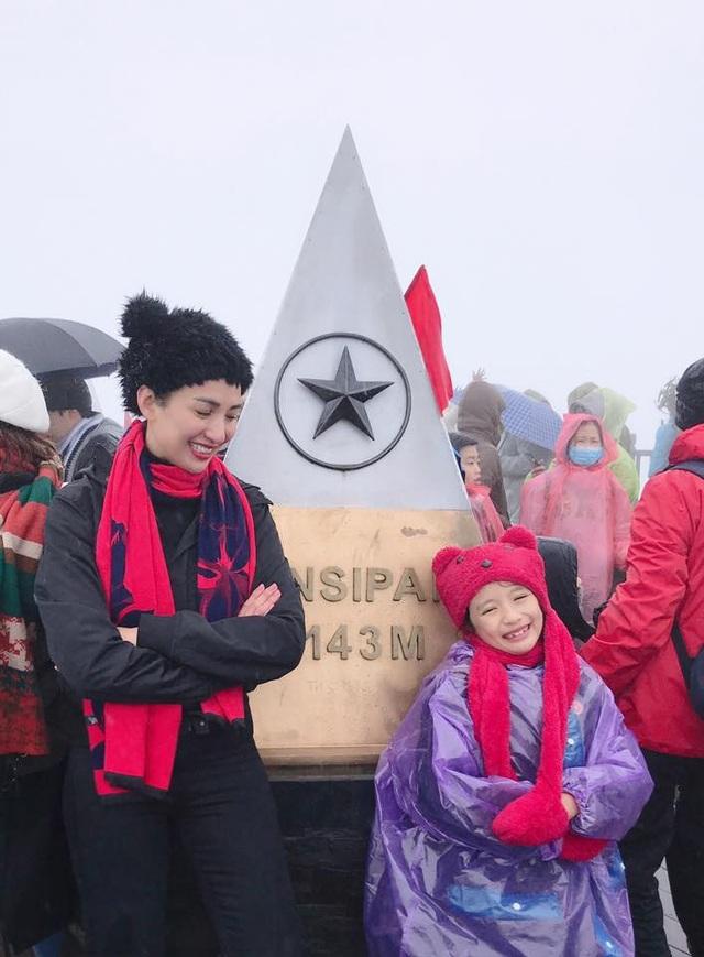 Ngọc Diễm chia sẻ, khi Chiko lên 5, qua những câu chuyện của mẹ cô bé mong muốn được một lần đặt chân lên đỉnh Fansipan nhìn tuyết rơi. 3 năm qua, giấc mơ của cô gái nhỏ chưa được thực hiện vì mẹ bận rộn công việc riêng và sợ cái lạnh miền Bắc ảnh hưởng sức khỏe con. Khi hai mẹ con sẵn sàng, Ngọc Diễm cùng Chiko lên kế hoạch đến Sapa ngày cuối năm 2018.