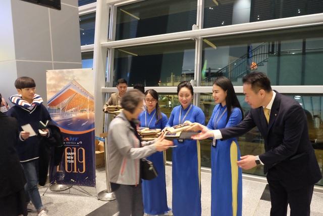 """Nhà ga Cảng Hàng không quốc tế Đà Nẵng đón hành khách """"xông đất"""" năm mới 2019 - 6"""